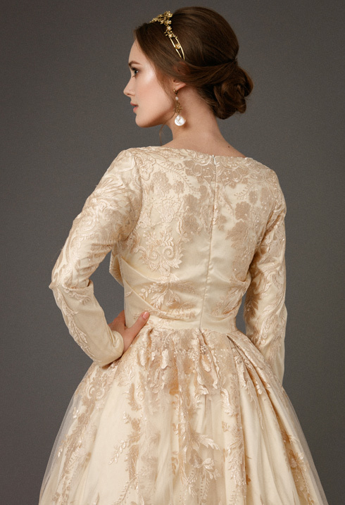 VictoriaSpirina_model_dress_BriarGoldlace_IMG5417