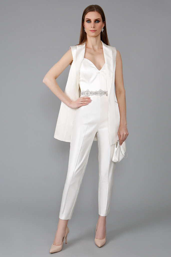 WHITE_jumpsuit_SET02_541045-76